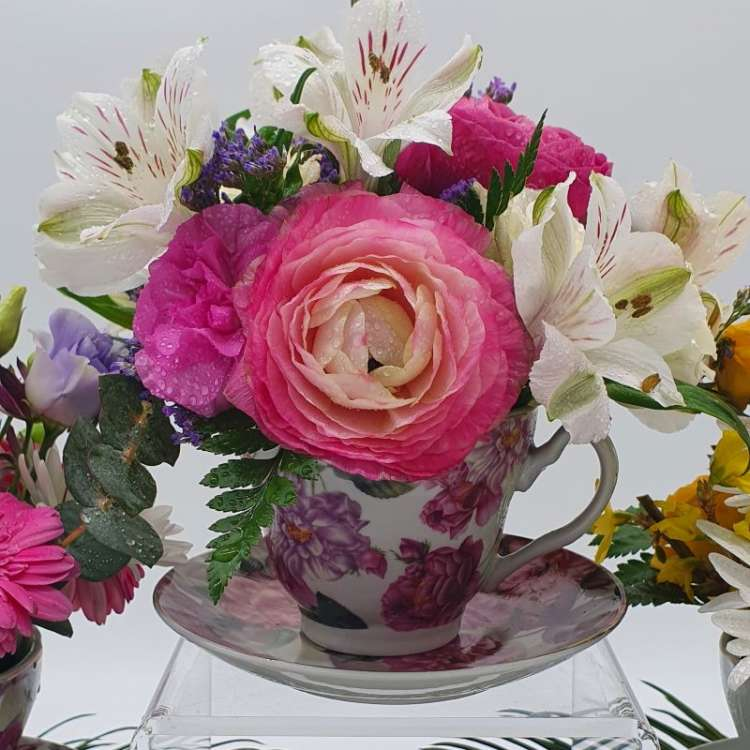 VICTORIAS TEA CUP ARRANGEMENT Thumbnail